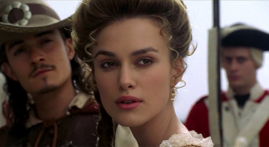 Who plays Elizabeth Swann in Pirates of the Caribbean ?
