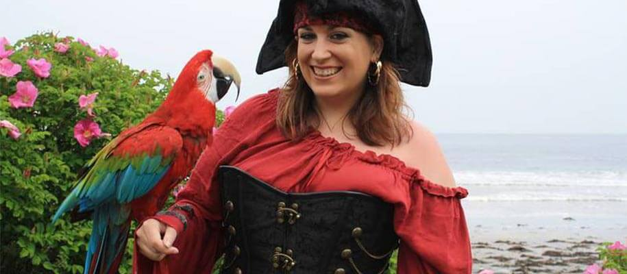 Why do pirates like parrots ?